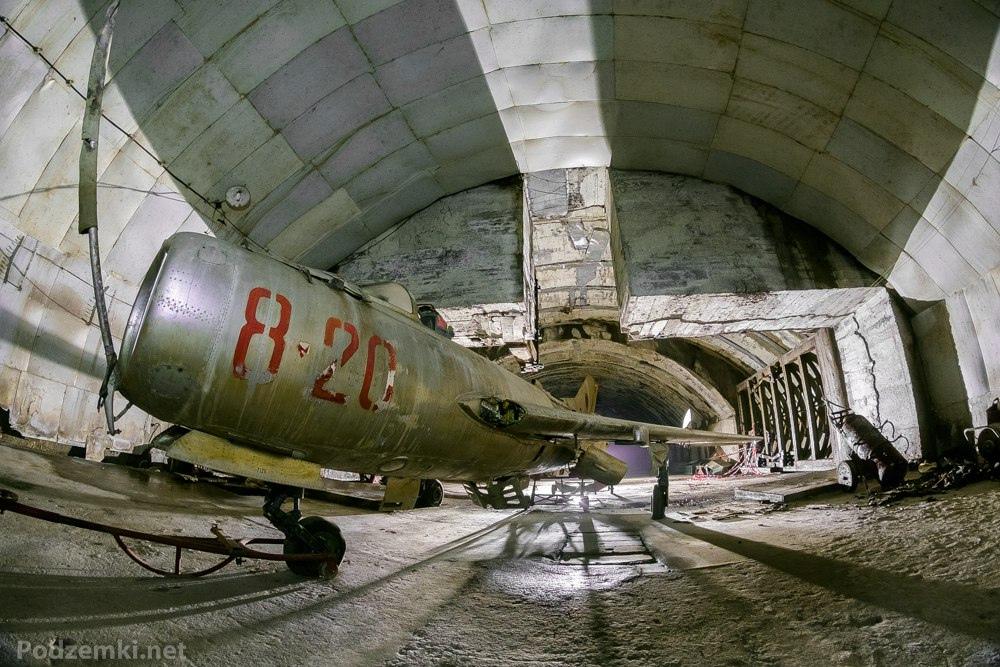 Подземные авиабазы Албании: Gjader