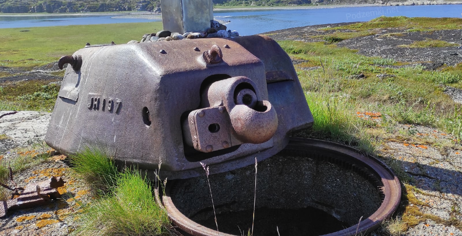 Огневая точка с башней от французского танка. Единственная в России